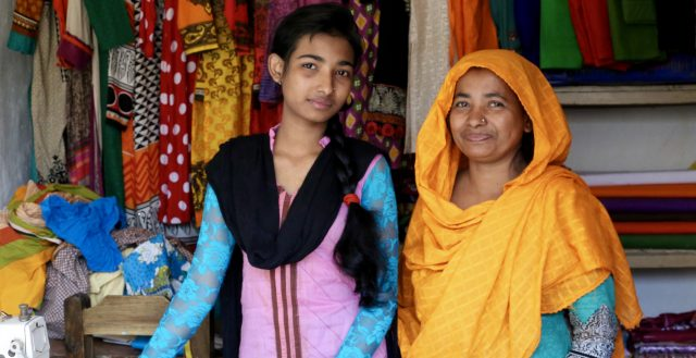 Teenage tailor in Bangladesh. Photo: Marisol Grandon/DFID